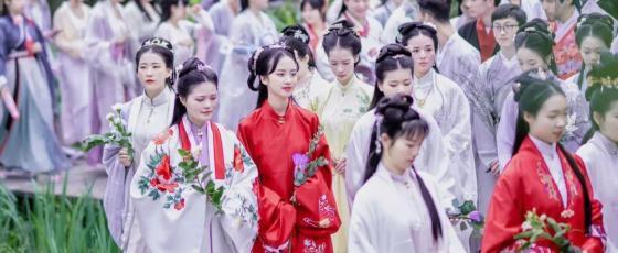 汉服复兴浪潮:汉服爱好者连年增长 Z世代对中国传统文化自信