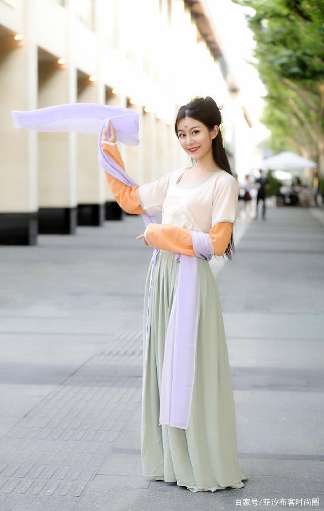 汉服热是有原因的,优雅展示古典美,这几款无滤镜的美你打几分?