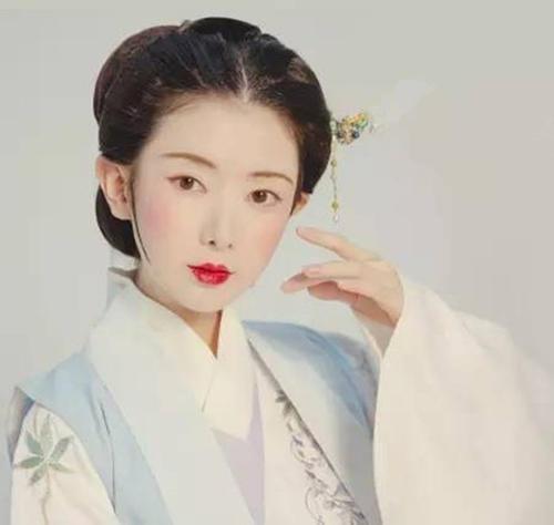 穿汉服离不开好看的妆容,你知道历代有出现过哪些妆粉呢?