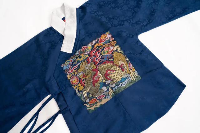 山东曹县三分天下汉服市场,一件汉服卖3.5万,年入千万不是梦